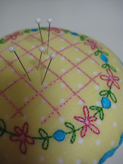 Sept 4 2008 Pincushion Collection014
