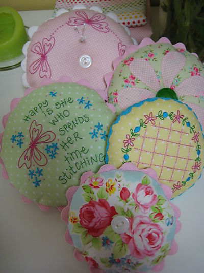 Sept 4 2008 Pincushion Collection003
