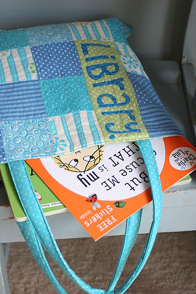 Sept 30 2008 Library Bags017